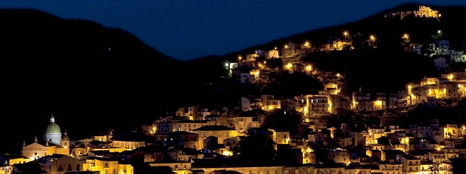 (Italiano) Nocera Terinese la notte…